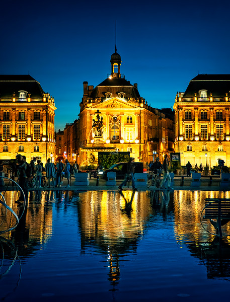 at Le Miroir d'Eau & Place de la Bourse