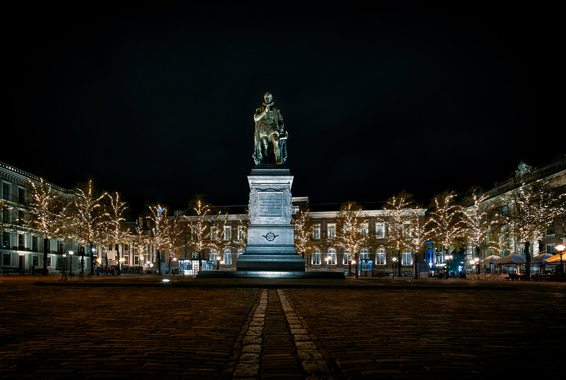 statue Standbeeld Willem van Oranje