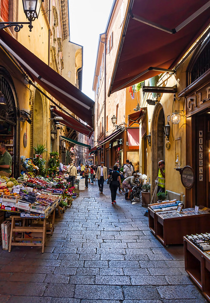 side streets of Bologna