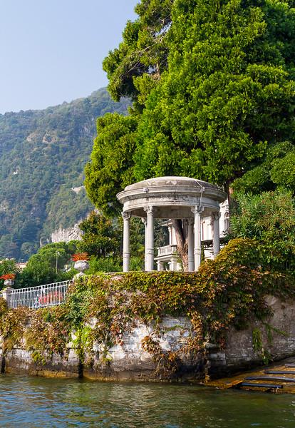 A stop by Villa D'Este