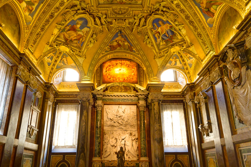 Ceiling of a side chapel in Santa Maria Maggiore