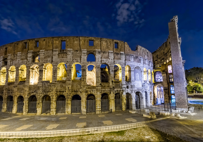 Colosseum by night (Colosseo)