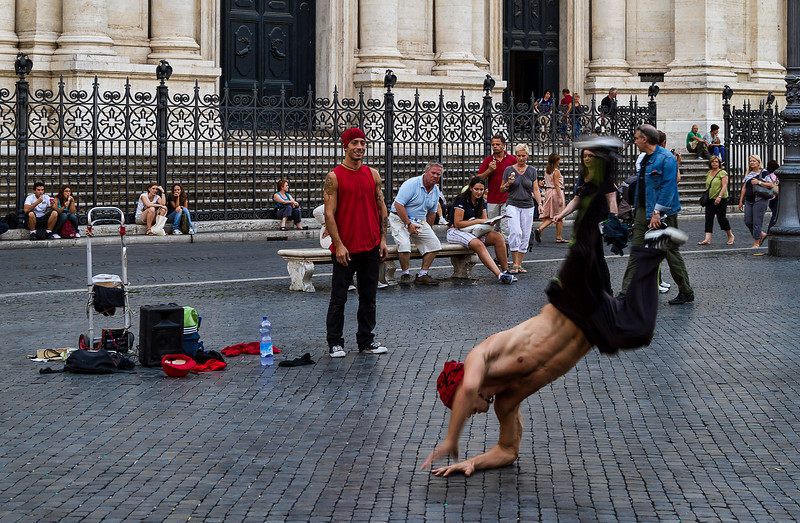 Street performers at Piazza Navona