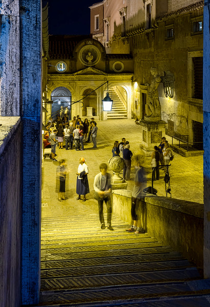 Late night crowds tour the Castel sant'Angelo