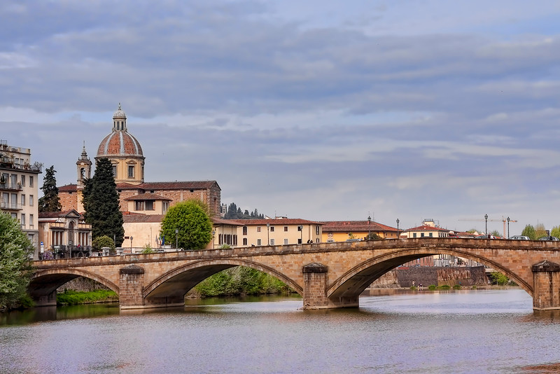 Florence teems with amazing bridges over the Arno river.