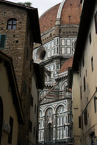 Glimpses of Duomo, Via del Studio, Firenze