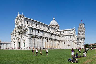 Duomo di Santa Maria Assunta and Torre pendente di Pisa, Pisa  Four shot hand held panorama