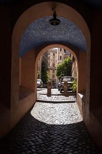 Starry Arch, Via del Banco di Santo Spirito, Roma
