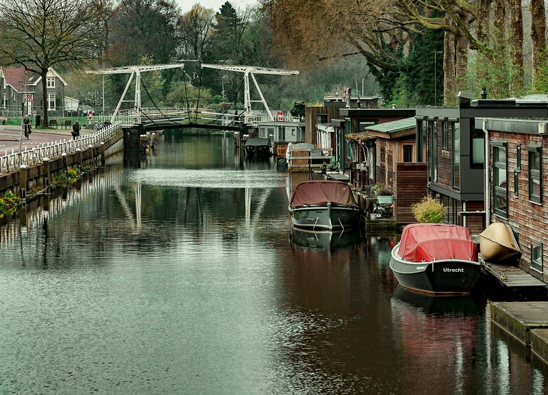 smaller Utrecht canals