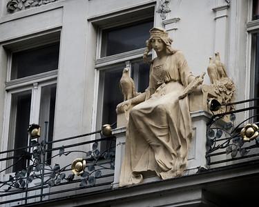 Balcony Maiden, Praha