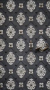 Gilded Door, Praha