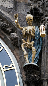 Death at the Astronomical Clock, Staré Město, Praha