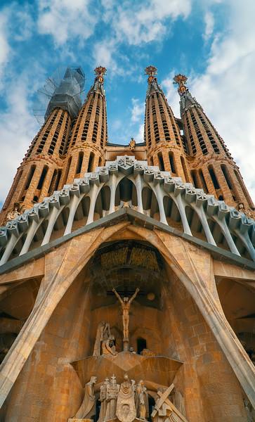 Sagrada Familia - front