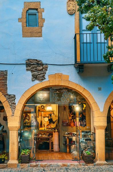 shops at Poble Espanyol