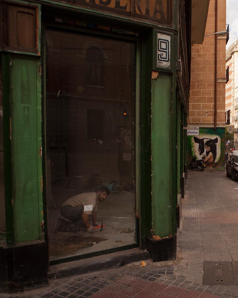 IMAGE: https://photos.smugmug.com/Places/Europe/Spain/Madrid/i-BzgqJbK/0/X2/IMG_9000A-X2.jpg