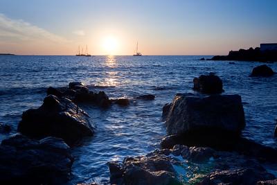 09CW036e Atlantic Beach Cornwall England Rock Sea Dawn