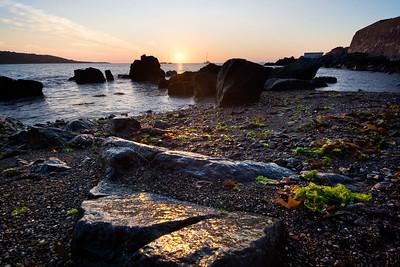 07CW009e Atlantic Beach Cornwall England Rock Sea Sun Dawn