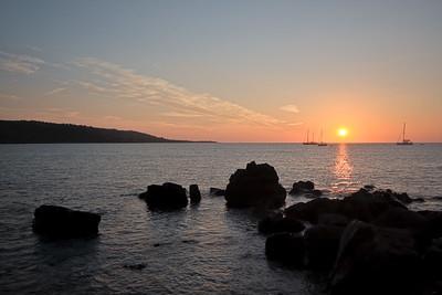 09CW033e Atlantic Beach Cornwall England Rock Sea Sun Dawn
