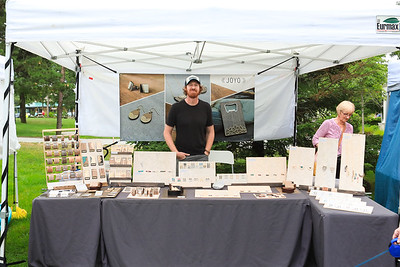8-12 17 Arts Markets-18