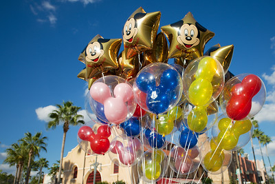 Baloons, Blue Skies and Palm Trees