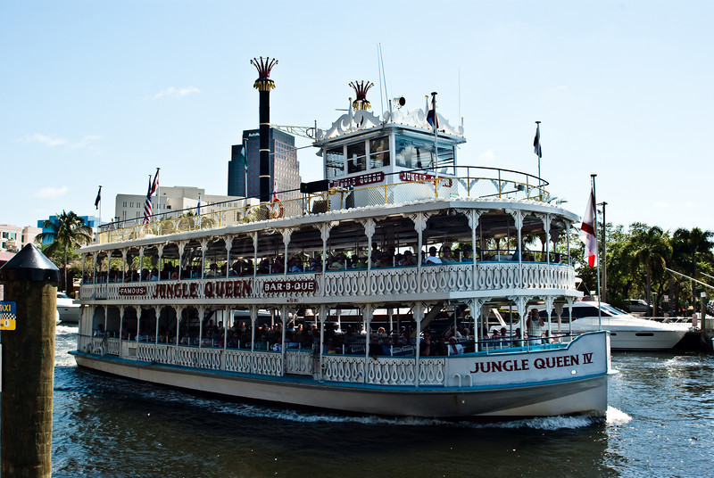 Jungle Queen IV Touring faux steamer.