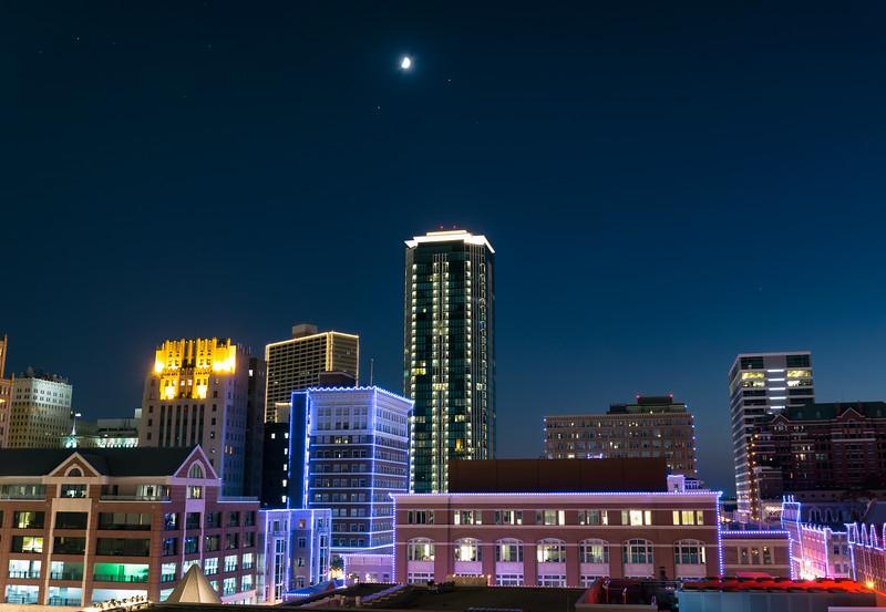 Sundance-roof-moon-8 30