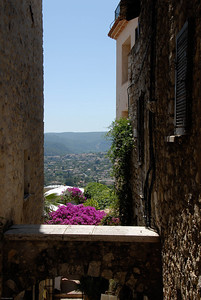 St Paul de Vence view between buildings