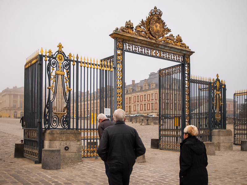 Front Gate at Palace of  Versailles - 16 Nov 2011