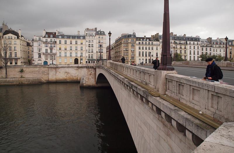 Walk Along the Seine in Paris - 17 Nov 2011