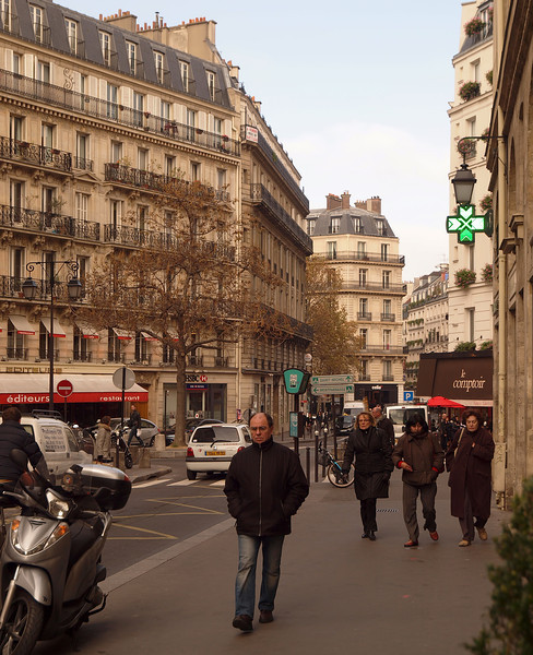 Street Scene in Paris - 15 Nov 2011