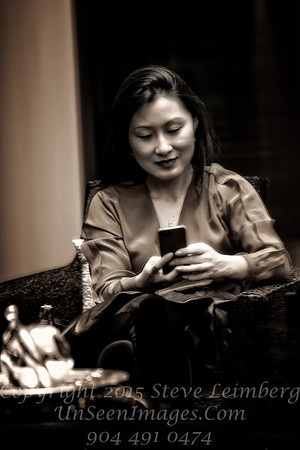 Woman on Cell Phone - Copyright 2016 Steve Leimberg - UnSeenImages Com _H1R2051