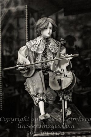 The Cello Player - B&W  - Copyright 2016 Steve Leimberg - UnSeenImages Com _H1R8139