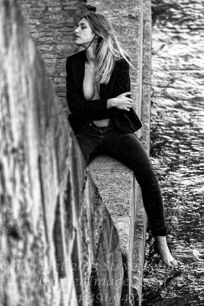 Beautiful Woman on Seine - Copyright 2016 Steve Leimberg - UnSeenImages Com _H1R9369