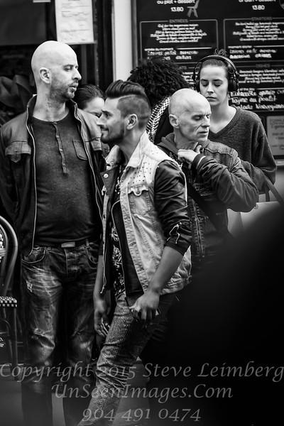 Renard Street Scene Paris - Copyright 2016 Steve Leimberg - UnSeenImages Com _H1R8839