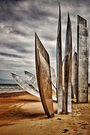 Omaha Beach Monument to Fallen Soldiers Copyright 2020 Steve Leimberg UnSeenImages Com _L8I4574