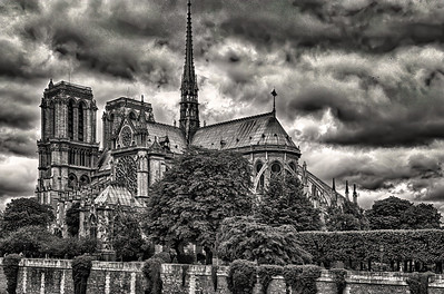 Notre Dame Cathedral  Copyright  2020 Side View B&W_L8I6038