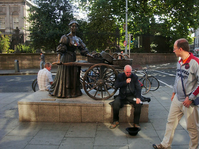 Molly Malone and a spoon-playing Irishman