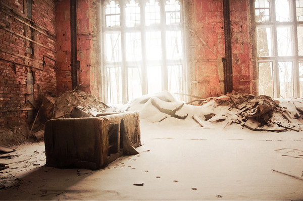 Abandoned sofa; City Methodist Church.