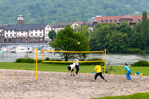 Beach volleyball along the Neckar in Heidelberg