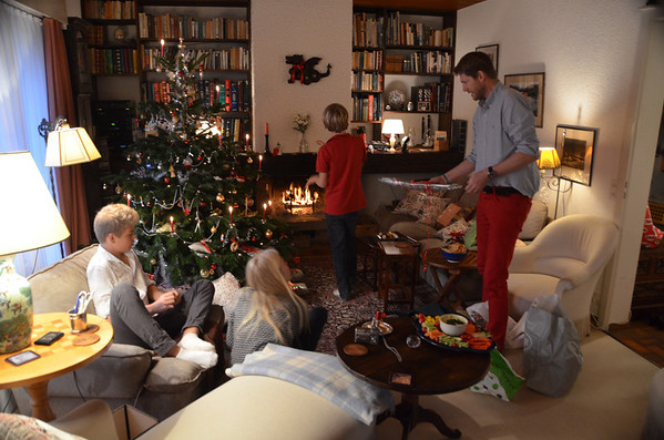 Gingins, Christmas 2013, tree with candles lit, Marc, Estelle, Yann Niki