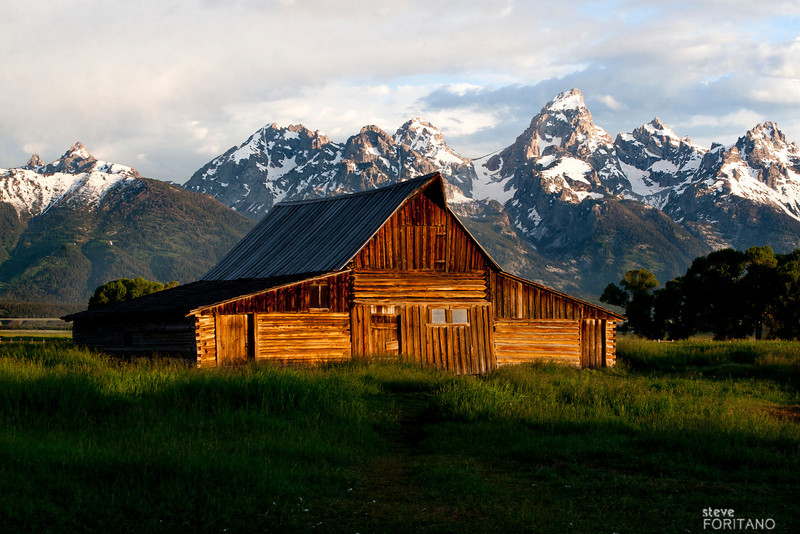 Sunrise Moulton Barn, Grand Teton National Park
