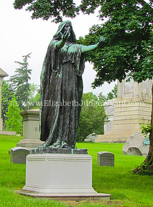Woodlawn Cemetery in NY