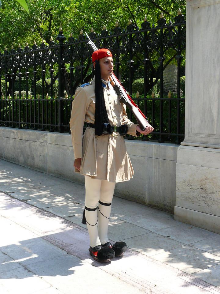 102_821 Greece Guard