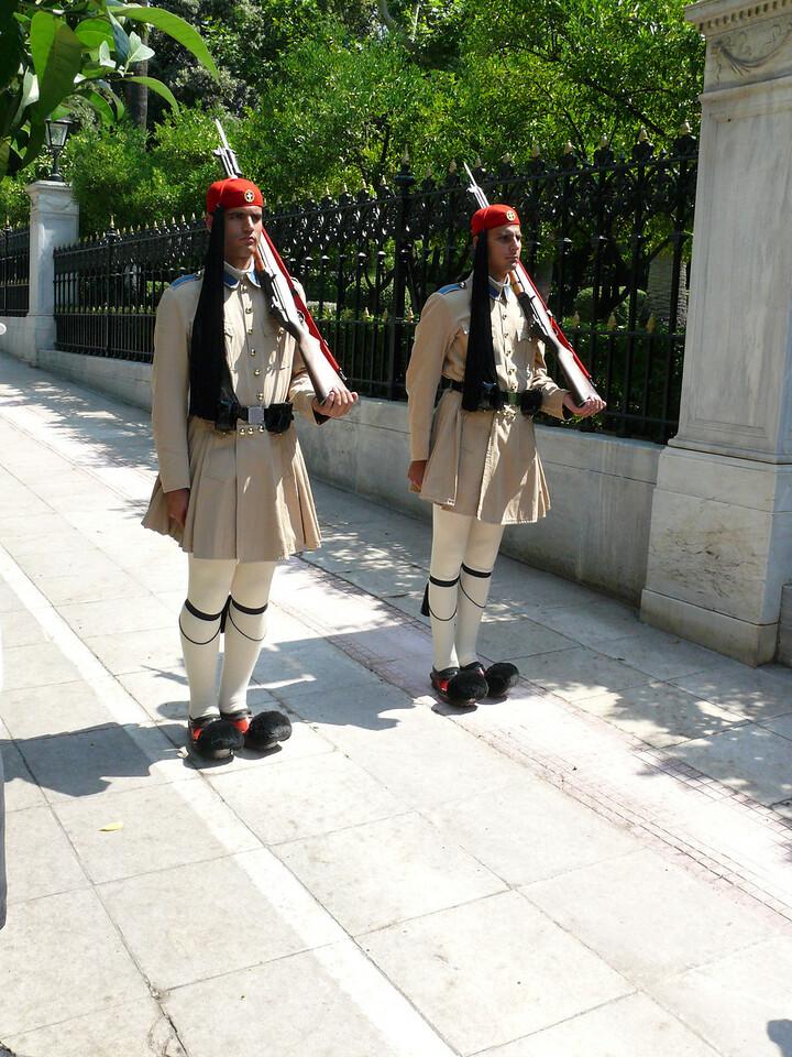 102_826 Greece Guard