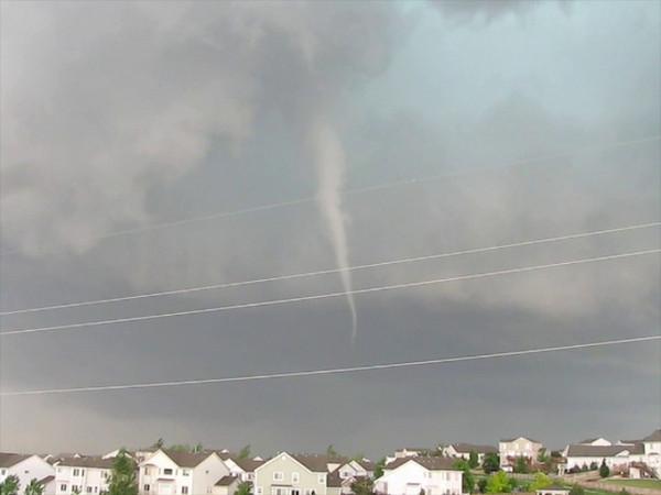 Southlands Tornado Video 2009