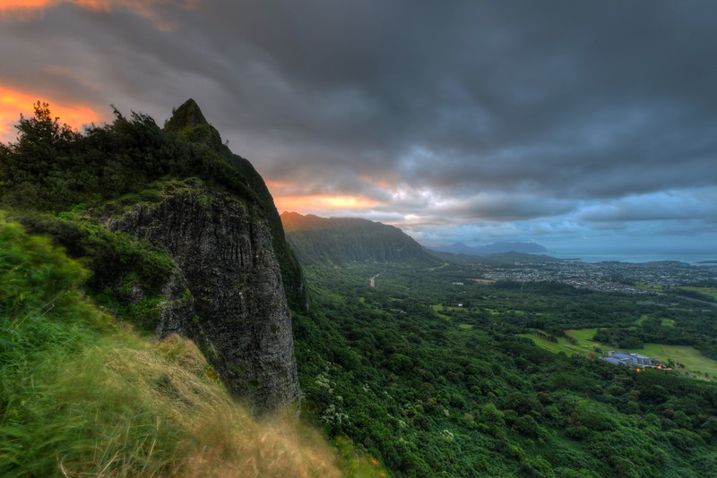 Nuʻuanu Pali Outlook at sunset