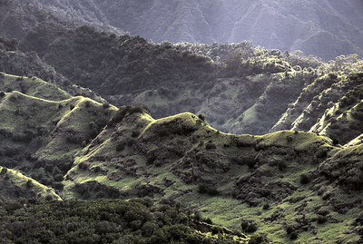 Maʻakua Ridge