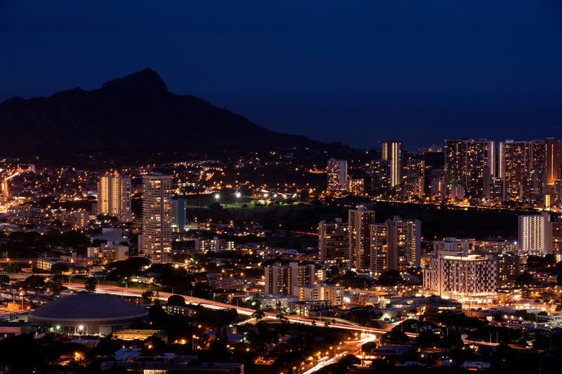 Honolulu and Diamond Head at dusk