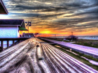 HDR Sunrise... way too over processed. Need to redo this one.