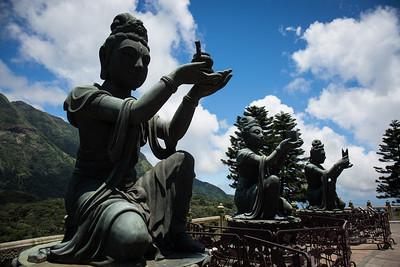 Deities around the Tian-Tan Buddha!